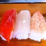 きん寿司 - トラウトサーモン・するめいか・蒸し海老