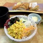 tonkatsuke-waike- - (ノ∇≦❤)食べ放題コーナーのサラダと水都御膳:1380円(2012.11月上旬)