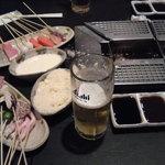 16106281 - 各テーブルに設置されたフライヤーで自分で揚げて食べてください