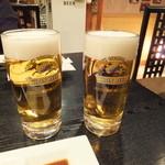 炭火焼肉香味苑 - 生ビールで乾杯