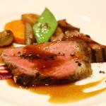 オーグードゥジュール メルヴェイユ 博多 - <主菜1皿>糸島雷山ポークのロースト わらの瞬間燻製