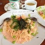 ダイニングカフェラフレシア - 明太子とジャガイモのクリームパスタセット、ドリンクバーとデザート付¥1050、満足( ̄∀ ̄)ウヒ♪