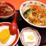 珍來 - 中華丼600円(2012.11月)