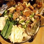 16112820 - アンコウの入った海鮮鍋(2012.11月)