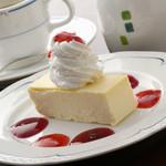 エンリコ - 遠方はるばる買い求めるファンも多い『美津橋のチーズケーキ』  430円