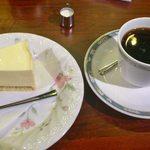 珈琲館 くすの樹 - ソフト珈琲とチーズケーキ