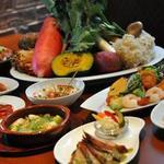 seasons diner COMODO - 当店一押しの季節のタパスメニュー。価格も400~600とリーズナブル