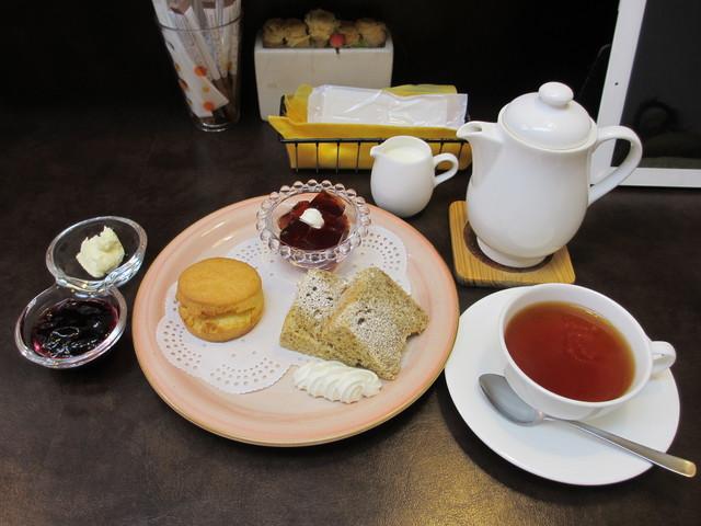 tea&sweets こく~ん - アフタヌーンプレートと紅茶