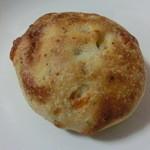 16121346 - バジルとチーズのフォカッチャ