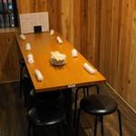 やきとん 木々家 - 2012.11 店内はテーブル席中心のようです