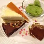 16123684 - ケーキ達 1カット105円