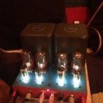 おとふけ - マスター新作の真空管アンプ  LEDのライトがお洒落