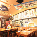 長万部酒場 - 魚をさばく光景を目の前で見られるオープンキッチン!