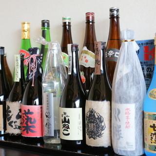 地酒から全国の美味しい日本酒を取り揃えています。