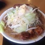 羽屋 - てつ次郎らー麺(角煮側)