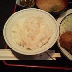 三河屋 - 定食のご飯&味噌汁。