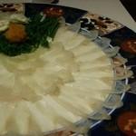 古稀庵 - 料理写真:美しい器に盛られた、てっさ