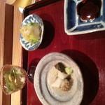 16148359 - 付きだし煮アワビ、海ブドウとウニ、白菜の漬物