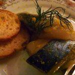 ブッチャー - ◆鯖と下仁田ネギの煮こごり(800円)・・柚子の香りもよく美味しいそうです。煮こごりほど煮汁が固まってはいませんけれど、ネギの甘さも鯖の風味もいいそうですよ。