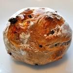 雑穀パンの店ひね - くるみとレーズン¥160