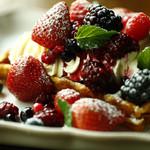 ラシーヌ - たくさんのBerryとフレッシュクリーム