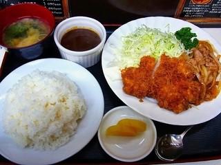 キッチン南海 早稲田店 - チキンカツ・しょうが焼き¥690カレールゥ付き