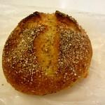 かいじゅう屋 - チーズのパン