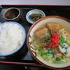 沖縄料理 いっちゃん - 料理写真:沖縄そばとライス 700円