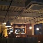 kushiyakiu-tan - 居酒屋とは思えないカフェのような店内