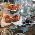 ザ・リッツ・カールトン東京 - 朝食。卵料理ははその場で作ってくれます