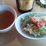 16155613 - ランチメニューについてきたサラダとスープ
