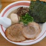 光・MENJI - 豚骨味玉(細麺)¥650
