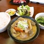 16156336 - 限定10食「もつ煮込み定食」¥500