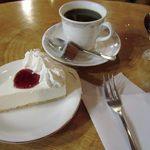 友歩嶺 - 料理写真:今年も冬季限定チーズケーキセットが始まりました。