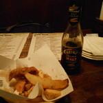 ザ・モリガンズ - フィッシュ&チップスはモルトビネガーをつけて食べる