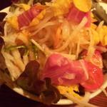 串焼 丸真 - まるしんサラダ!マグロが美味い!