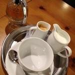 16166097 - ①カフェ・オレ・マイヨール630円