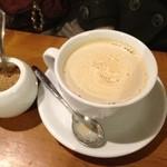 16166100 - ②カフェ・ラテ520円