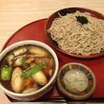 そば処たむら - かも汁つけざるそば 950円(2012.12月)