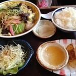 さくら通り食通 - 餃子ランチ880円