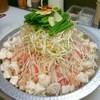 ど鍋や - 料理写真:大阪下町生まれアッサリ『もつ鍋』オススメ!モツモツもっつ~&豚バラ!まさしく鍋王!