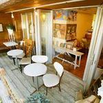 EMPORIO cafe&dining - 1FはワンちゃんOK!テラス席もあります。