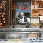幸寿司 - 201212 幸寿司 座席より(「おやっさん」の勇姿)