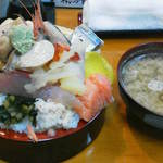 幸寿司 - 201212 幸寿司 びっくり丼(900円)