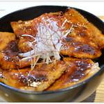 syokudo ぱくり亭 - ぶた丼・・・ごはんに合う味付けです
