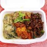 アジアンランチ - 白カレー(いつも旨っ!)、辛い厚揚げ、きしめんみたいな炒め物