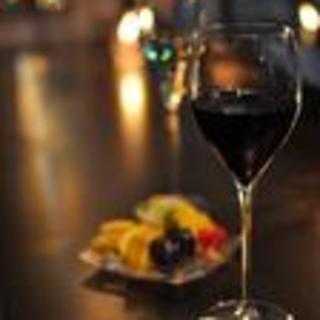 「季節」をテーマに、旬の食材を使った創作料理や豊富なタパスをお楽しみ下さい。