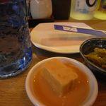 16175492 - お通しのザーサイ、豆腐ようとまさひろ古酒