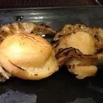 大江戸 - 帆立の串焼き
