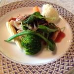 梨里 - 魚料理 野菜で隠れてますが